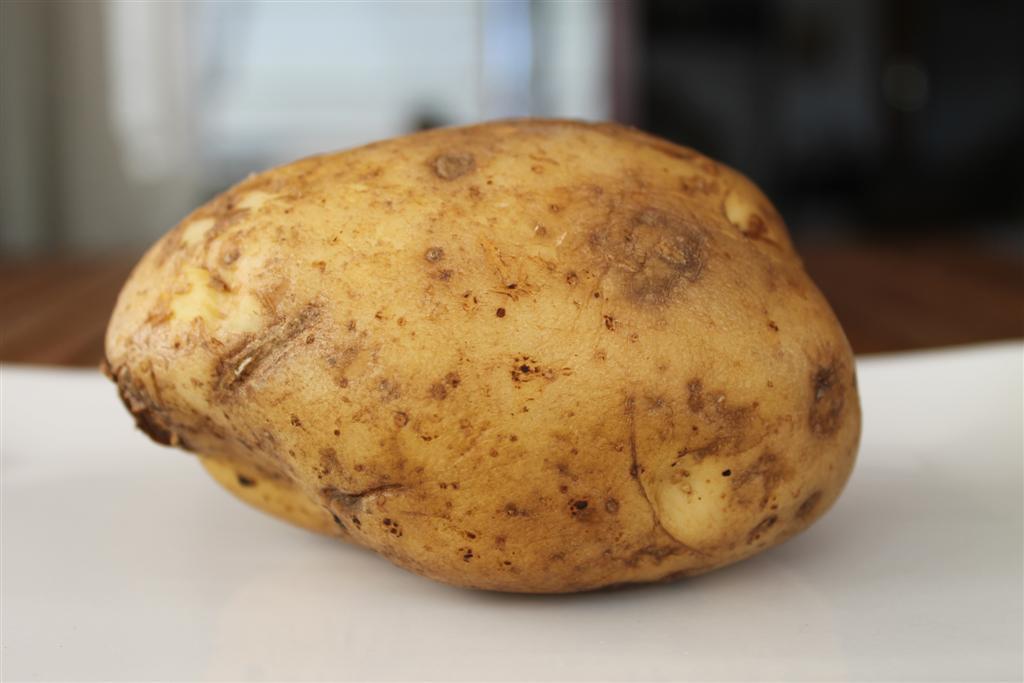 cuantas calorias tiene la patata cocida