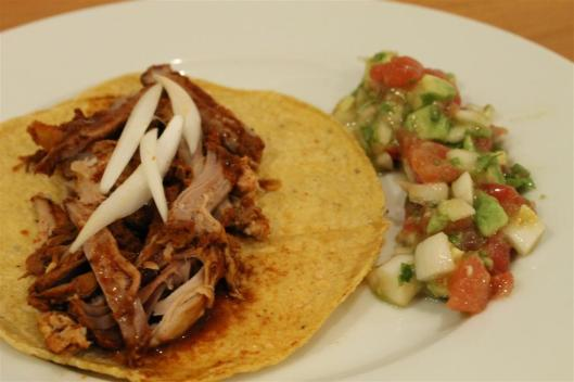 Tacos de Cochinita Pibil sous-vide, con pico de gallo