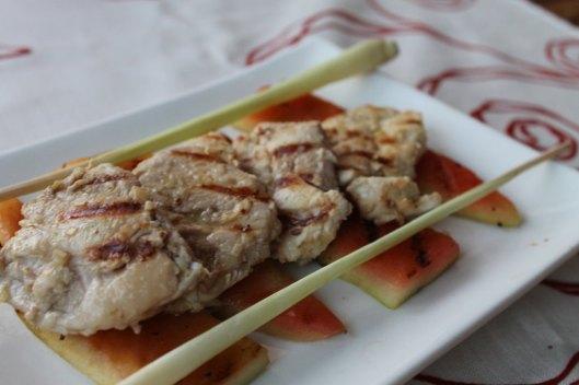 Pollo al lemongrass y corteza de sandía