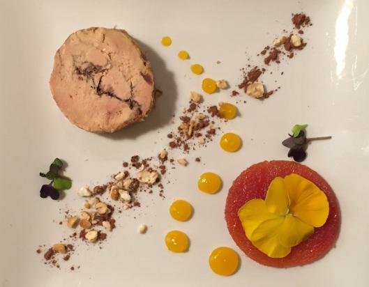 Foie gras, cacao, kikos, membrillo, fruta de la pasión